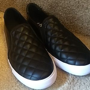 Guess slide on sneakers